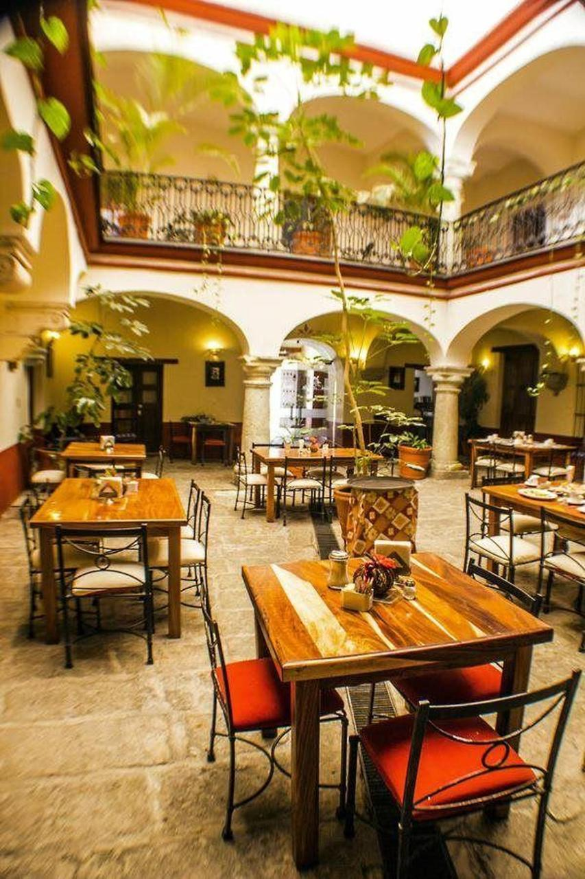 Parador-San-Agustin-Hotel-Restaurant-Pet-Friendly