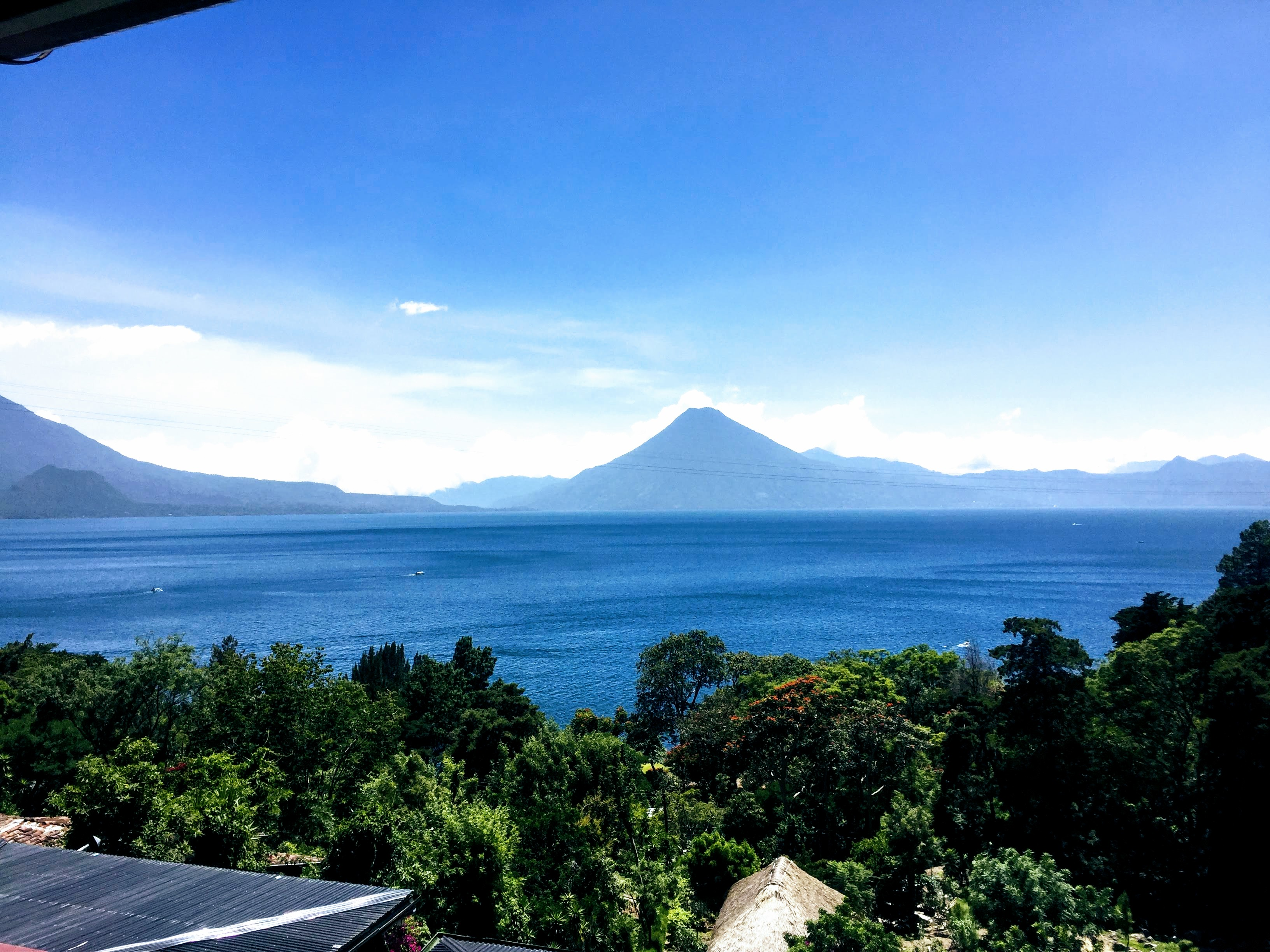 pet-friendly-lago-atitlan-guatemala