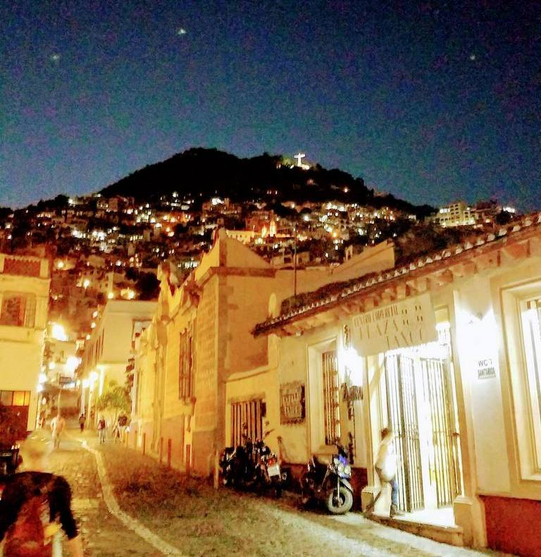 taxco-at-night