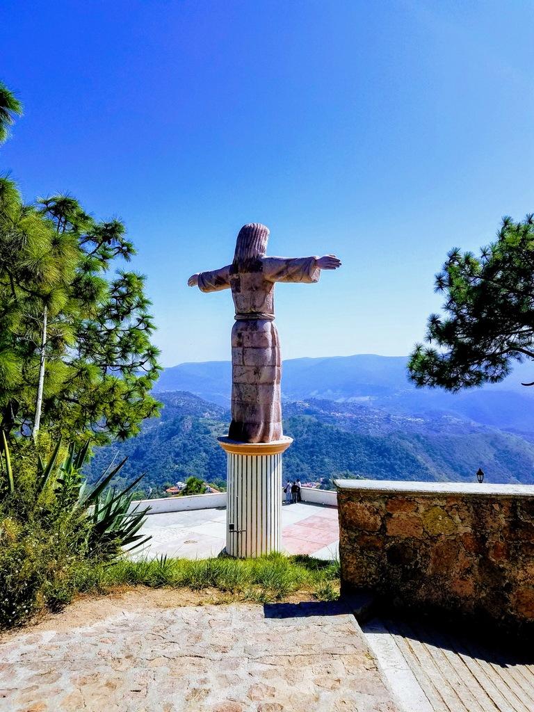 cristo-monumento-taxco