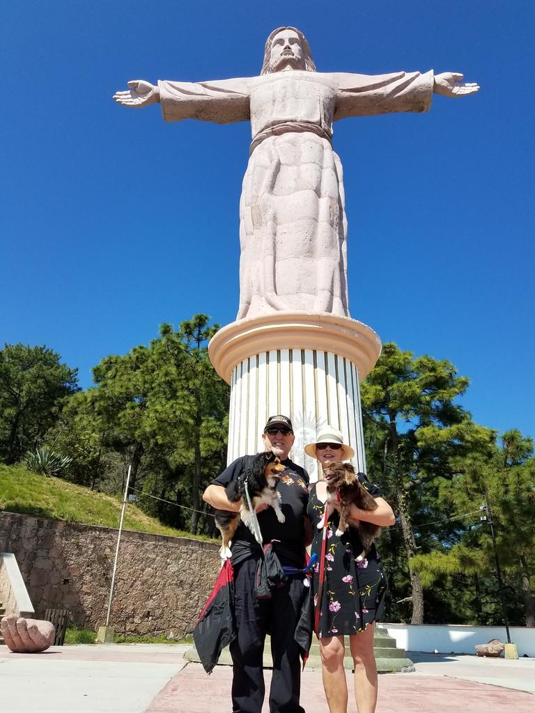 cristo-monumento-taxco-pet-friendly